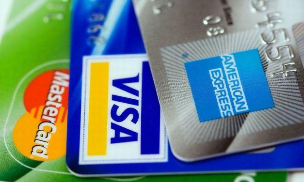 Tortonesi sbadati, in poche settimane hanno perso all'Iper ben 28 carte di credito, 19 occhiali e tanto altro. L'elenco