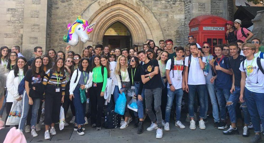 65 studenti del Liceo Peano di Tortona in Inghilterra per uno stage linguistico