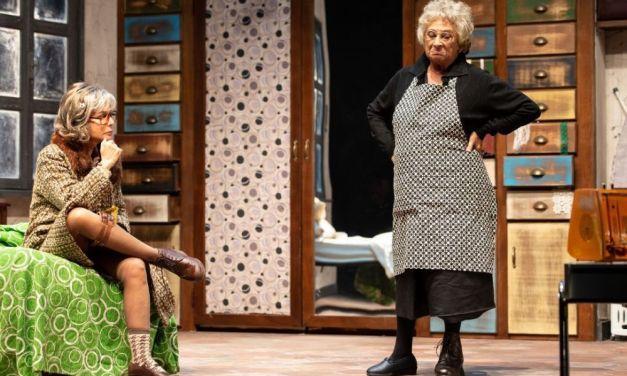 """Al teatro Civico di Tortona arrivano """"Le Signorine"""" di Gianni Clementi"""