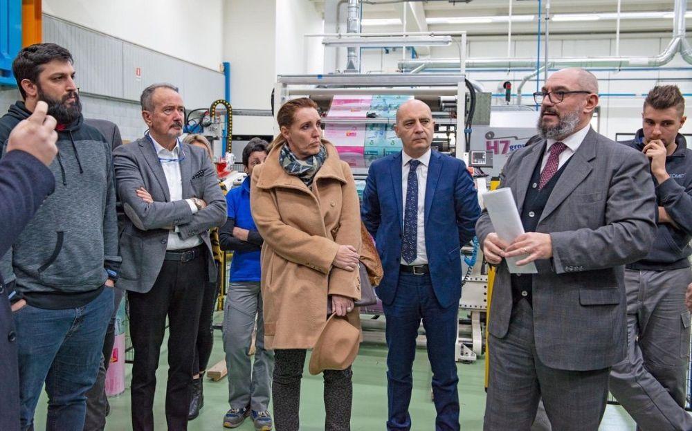 Il tortonese Gian Luca Lavezzo a Schio con i lavoratori e l'assessore regionale del Veneto contro la Plastic Tax