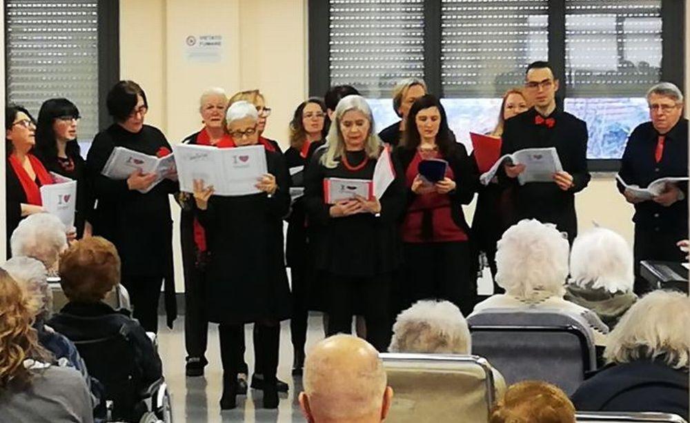 """L'Accademia Musicale San Matteo di Tortona ravviva il Natale agli ospiti della """"Lisino"""""""