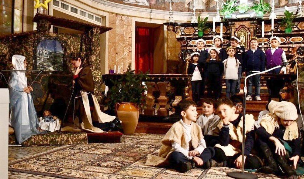 Le belle immagini della recita di Natale organizzata dalla Parrocchia e dall'Accademia San Matteo di Tortona