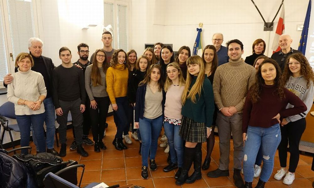 """A Novi Ligure consegnati i diplomi di maturità del Liceo """"Amaldi"""""""