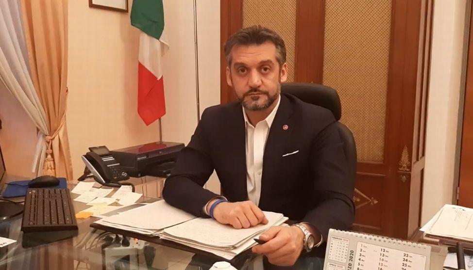 """Coronavirus a Tortona, nuovo appello del Sindaco Chiodi: """"Restate a casa!!"""""""