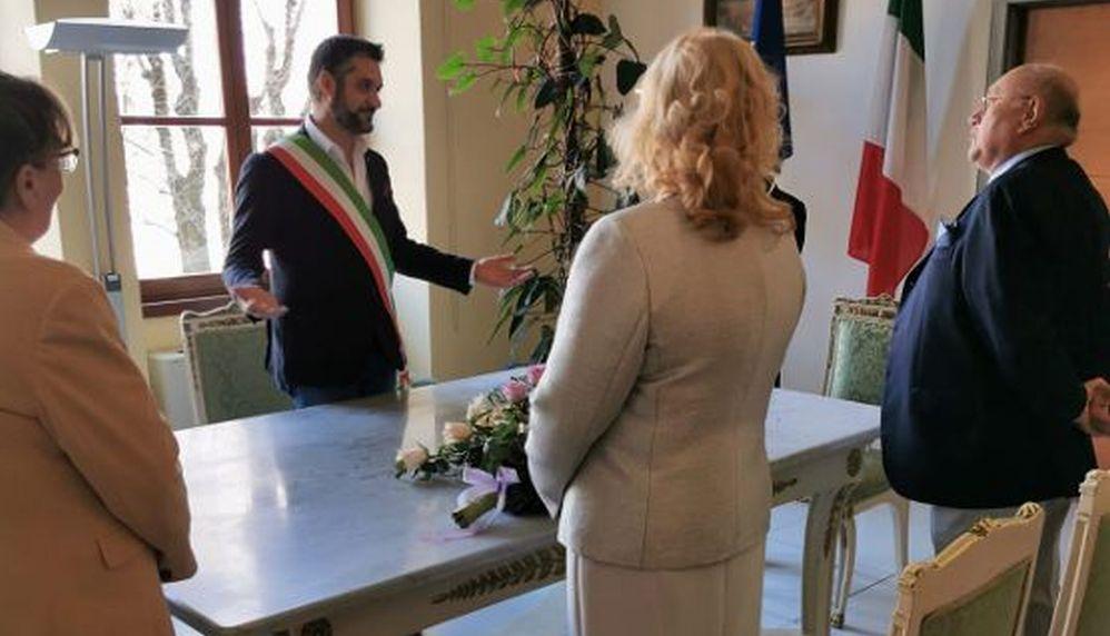 A Tortona l'ultimo matrimonio prima dello stop, Chiodi unisce Enrica Negri e Romano Piana