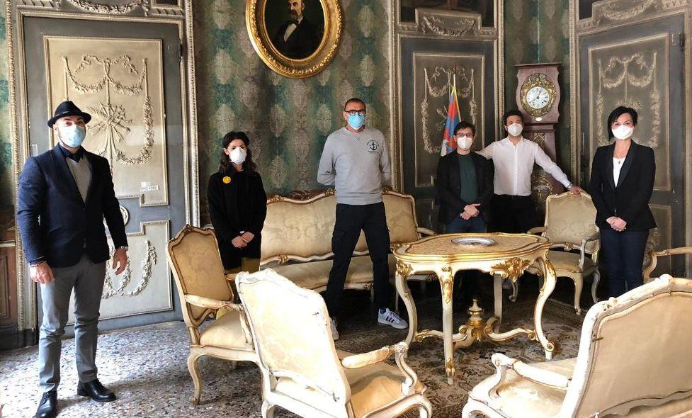 Art#Together: gli artisti uniti in una raccolta fondi per il Comune di Casale  Monferrato