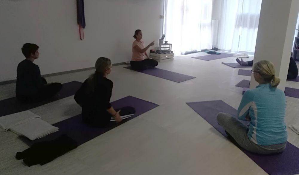 Diano Yoga, molte attività gratuite  sono online