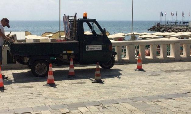 Dopo il nostro articolo il Comune di Diano Marina ha iniziato ad aggiustare la passeggiata a mare che sembrava un gruvieria