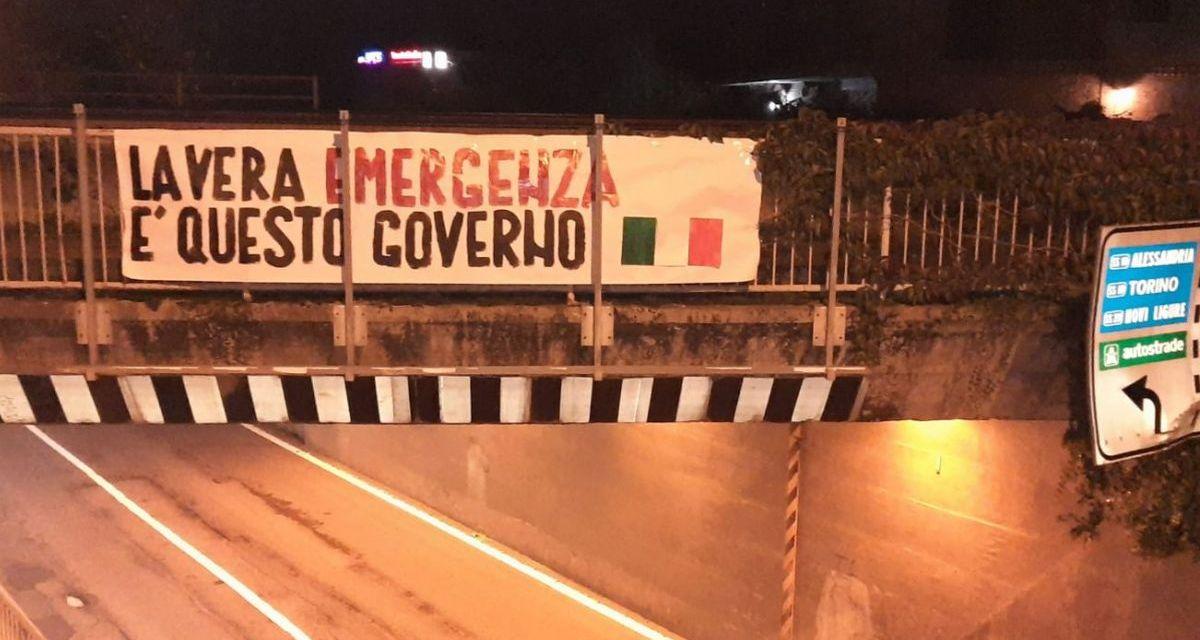 A Tortona e Alessandria striscioni contro il nuovo DPCM di un governo che non piace a molti