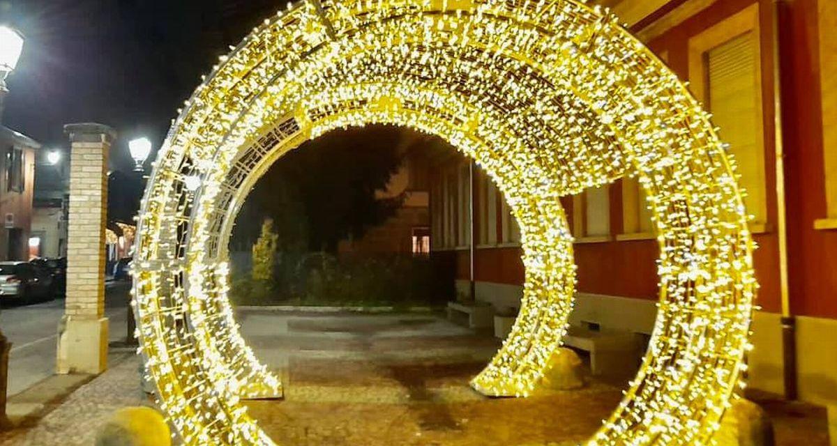 Mai viste luminarie natalizie così originali a Tortona! Complimenti per la scelta. Le immagini
