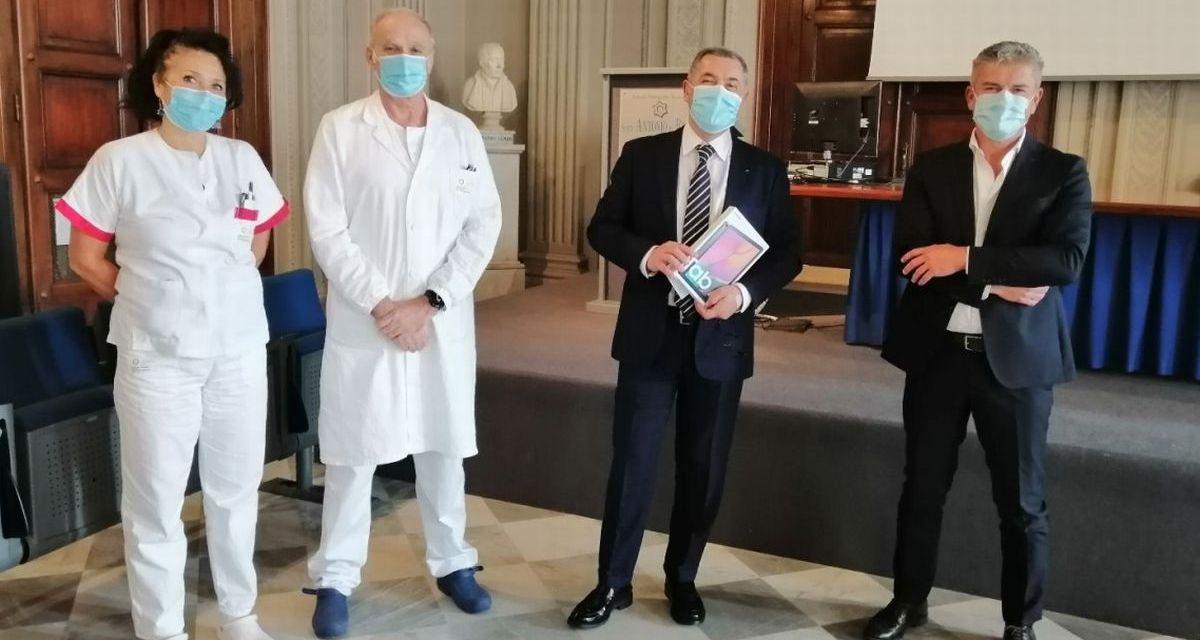 Visite vietate in Ospedale? Niente paura alla Geriatria di Alessandria c'è il Tablet