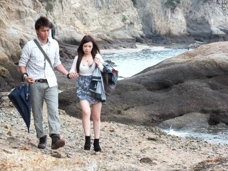 Couple de japonais sur la plage.