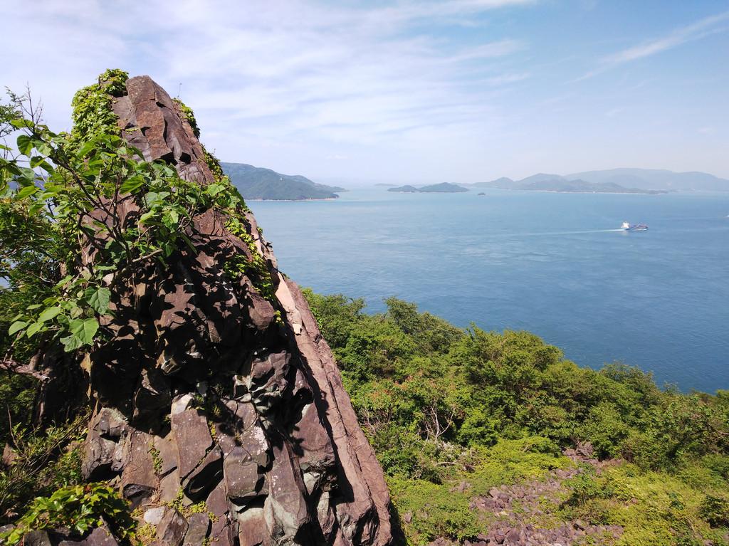 Grotte d'Ogijima et «Rocher Tank»