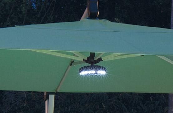 led patio umbrella light with integrated bluetooth speaker