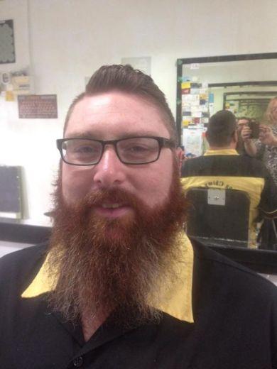 Ohair Barber Nundah - Beard cut with customer (2)