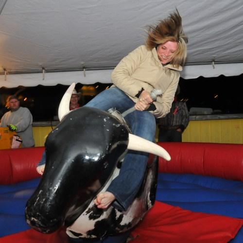 stephanie_rides_the_bull