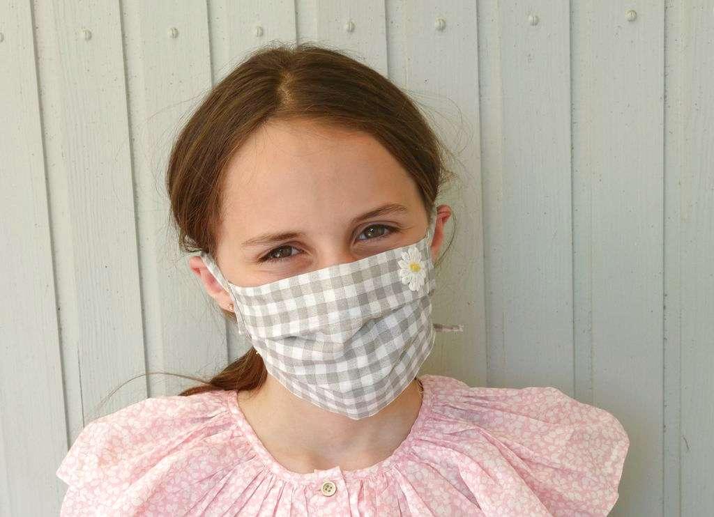 Stoffmaske für Mädchen im Vichy-Karo