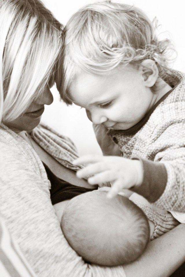 such great tips for how to manage two kids under 2, especially with a newborn!