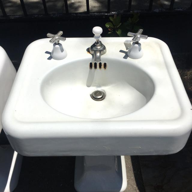 Cast Iron Crane Pedestal Sink
