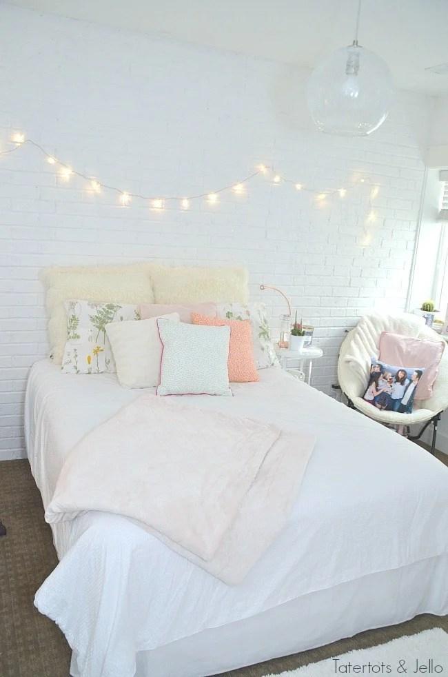 Cute & Stylish Teenage Girl Bedroom Ideas & Room Decor ... on Teen Rooms Girl  id=98196