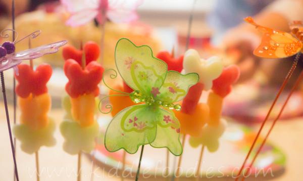 Butterflies_healthy_dessert_with_fresh_fruits_on_a_-stick