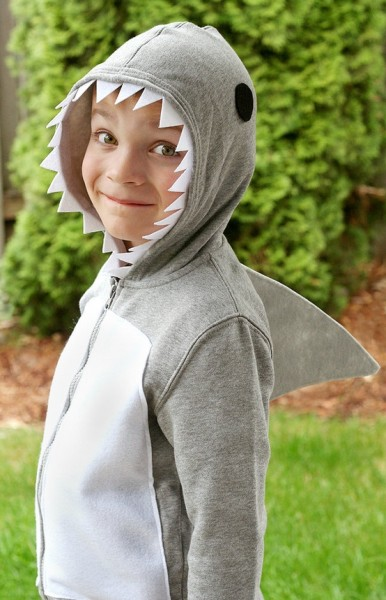 Sweatshirt shark costume