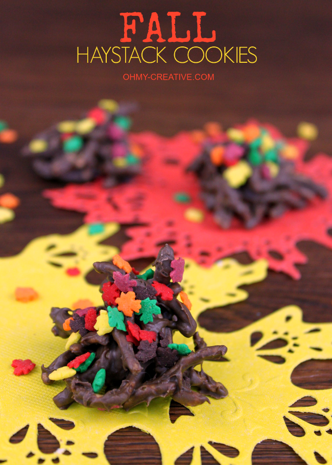 Take the traditional no bake cookie and turn them into Fall Haystack Cookies  |  OHMY-CREATIVE.COM