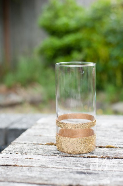 This is a great easy craft for a DIY Glitter Vase that can store wine corks, or become a beautiful new vase for flowers!