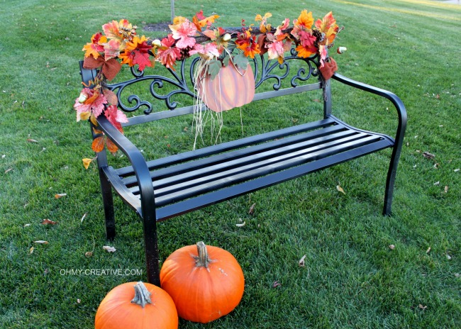 Easy to Decorate a Fall Outdoor Bench   OHMY-CREATIVE.COM