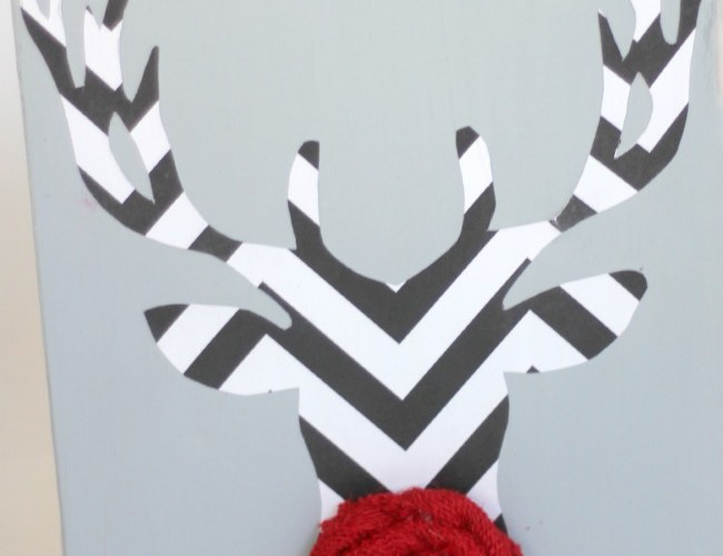 DIY Reindeer Canvas Art | View From The Fridge for Oh My! Creative