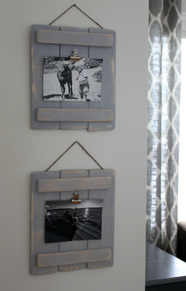 Use This DIY Photo Pallet Plaques to Display Family Photos
