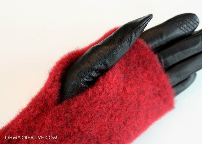 Red Wool Fingerless Gloves for making Wool Heart Fingerless Gloves - Perfect for Valentine's Day | OHMY-CREATIVE.COM