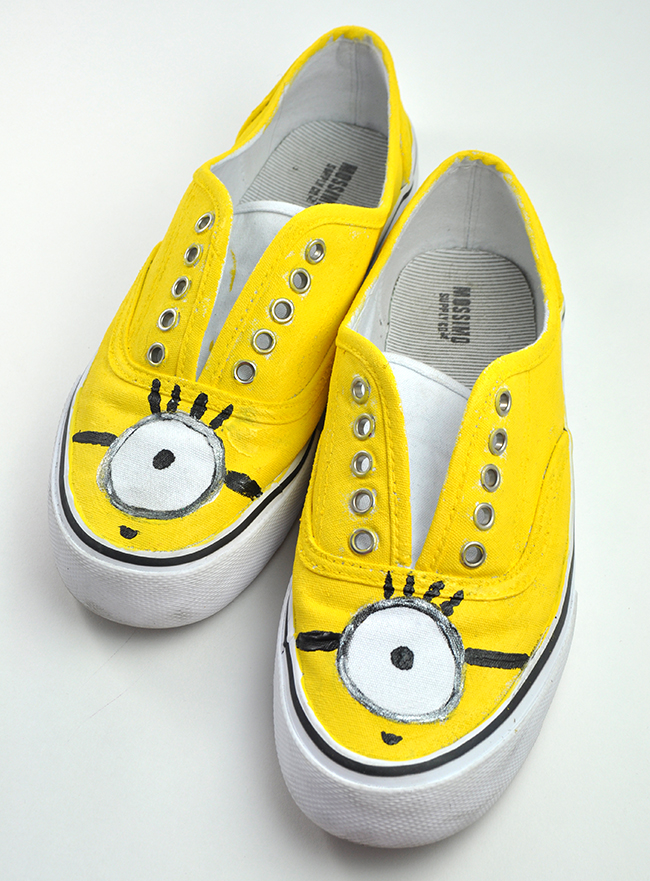 DIY Painted Minion shoes