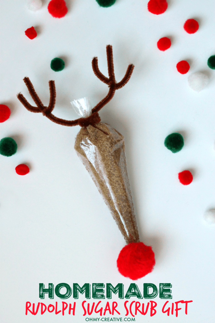 This Homemade Rudolph Sugar Scrub Gift Using Essential Oils is so easy to make and just adorable to give to so many on your Christmas shopping list! Great stocking stuffer too! | OHMY-CREATIVE.COM