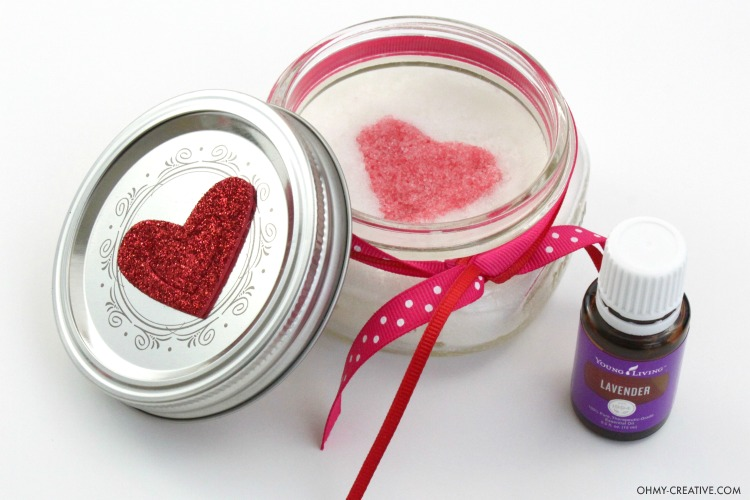 This Heart Sugar Scrub Recipe is Perfect for Valentine's Day, Weddings and Showers! Gift it to your sweetheart or friends!   OHMY-CREATIVE.COM