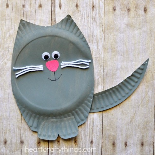 Cat Paper Plate Craft | 20 PAPER PLATE CRAFTS FOR KIDS | OHMY-CREATIVE.COM | kids crafts | paper plates | preschool crafts | kindergarten crafts | school kids crafts | Under the sea crafts | paper plate animal crafts | rainbow craft | olympics craft | watermelon craft | monster craft | paper craft