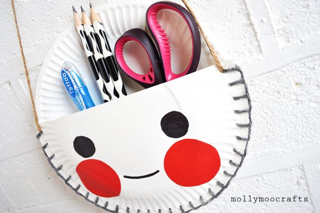 Paper plate organizers for kids | 20 PAPER PLATE CRAFTS FOR KIDS | OHMY-CREATIVE.COM | kids crafts | paper plates | preschool crafts | kindergarten crafts | school kids crafts | Under the sea crafts | paper plate animal crafts | rainbow craft | olympics craft | watermelon craft | monster craft | paper craft
