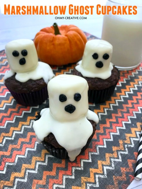 These Marshmallow Ghost cupcakes for Halloween are an EASY semi-homemade treat!