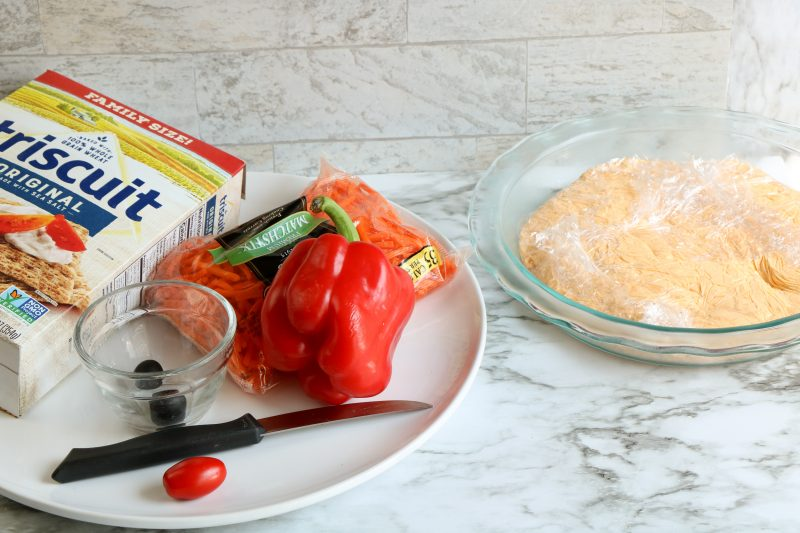 Ingredients to make the scarecrow fall appetizer.