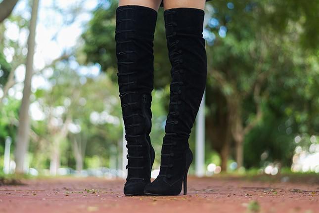 Vem ver essa bota que a blogueira Mônica Araújo usou!
