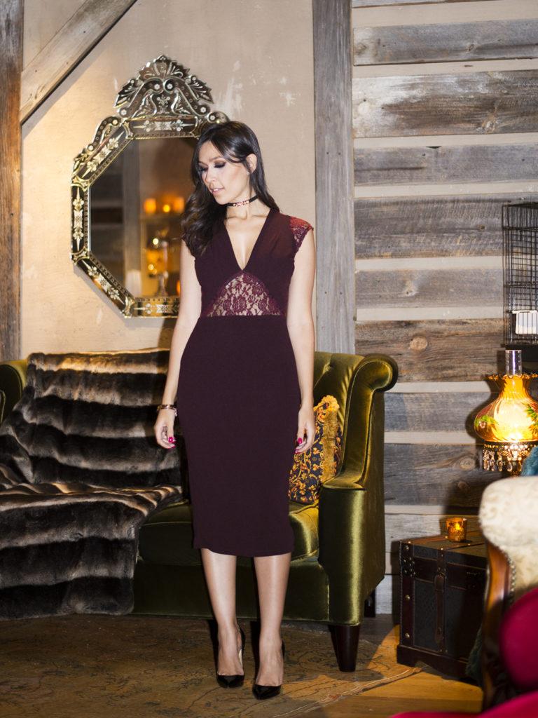 Esse vestido com renda da S Trend ficou lindo na blogger Mônica Araújo, vem ver!