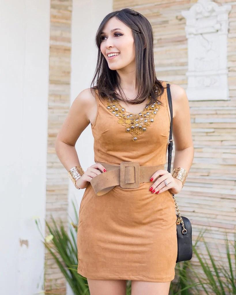 Look Mônica Araújo com vestido de suede Ypslon Atacado, tendência Verão 2017 no Oh My Closet!