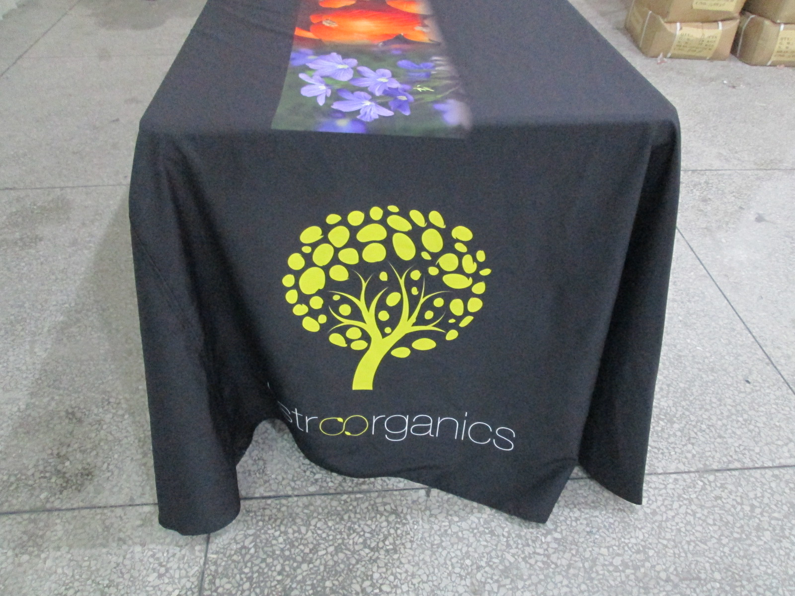 Banners | Flags | Oh My Print Solutions & Printed Tablecloths | Custom Printed Table Runners | Free ...