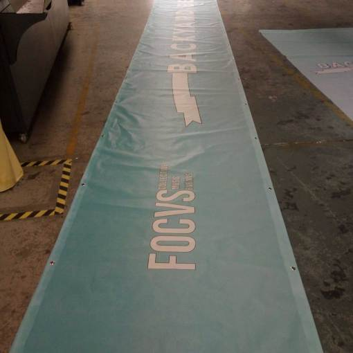 Mesh-Vinyl-banners-for-Stageline-stages