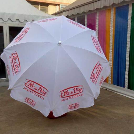 logo-printed-on-umbrella