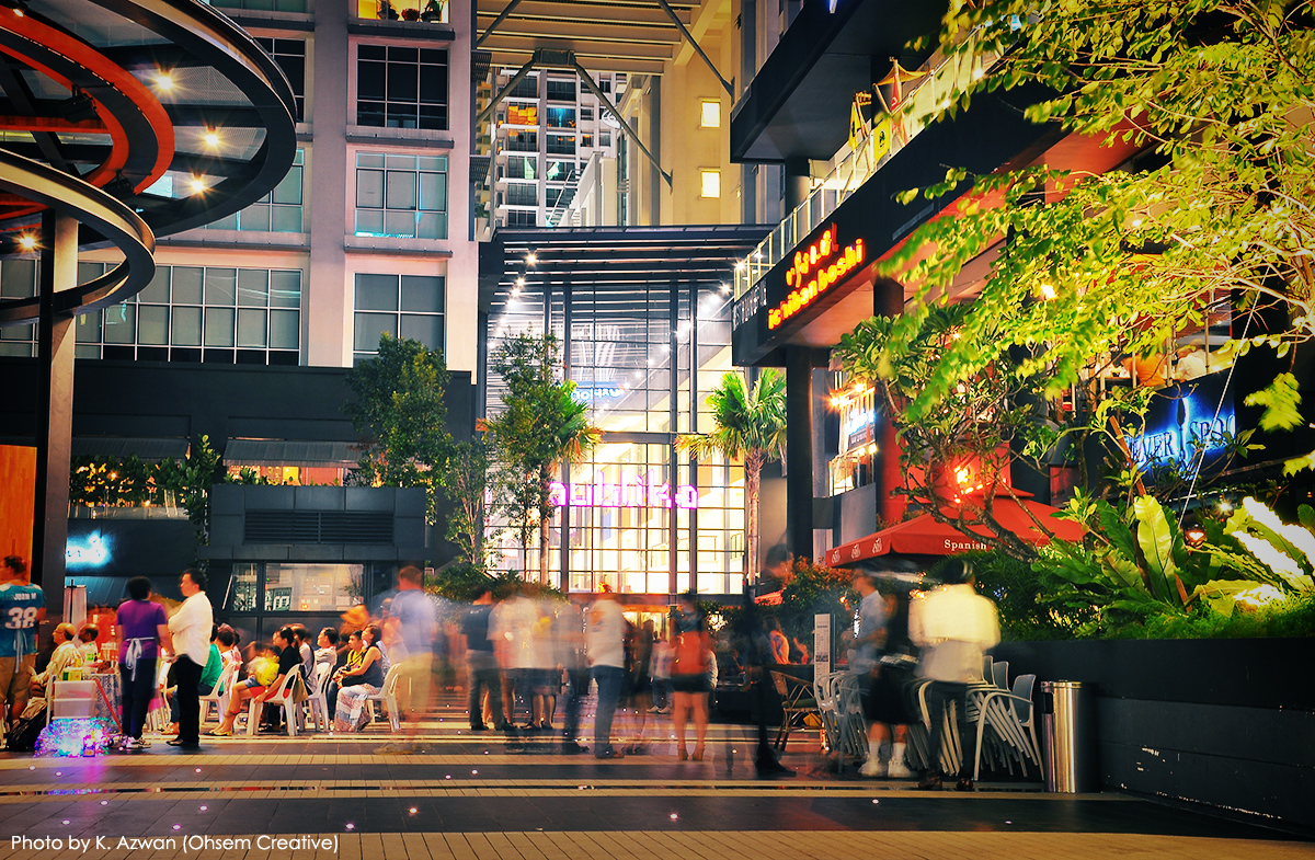 Night photography at Publika