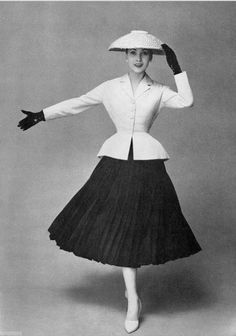 "Dior, ""New Look"" and how fashion changed in an instance"