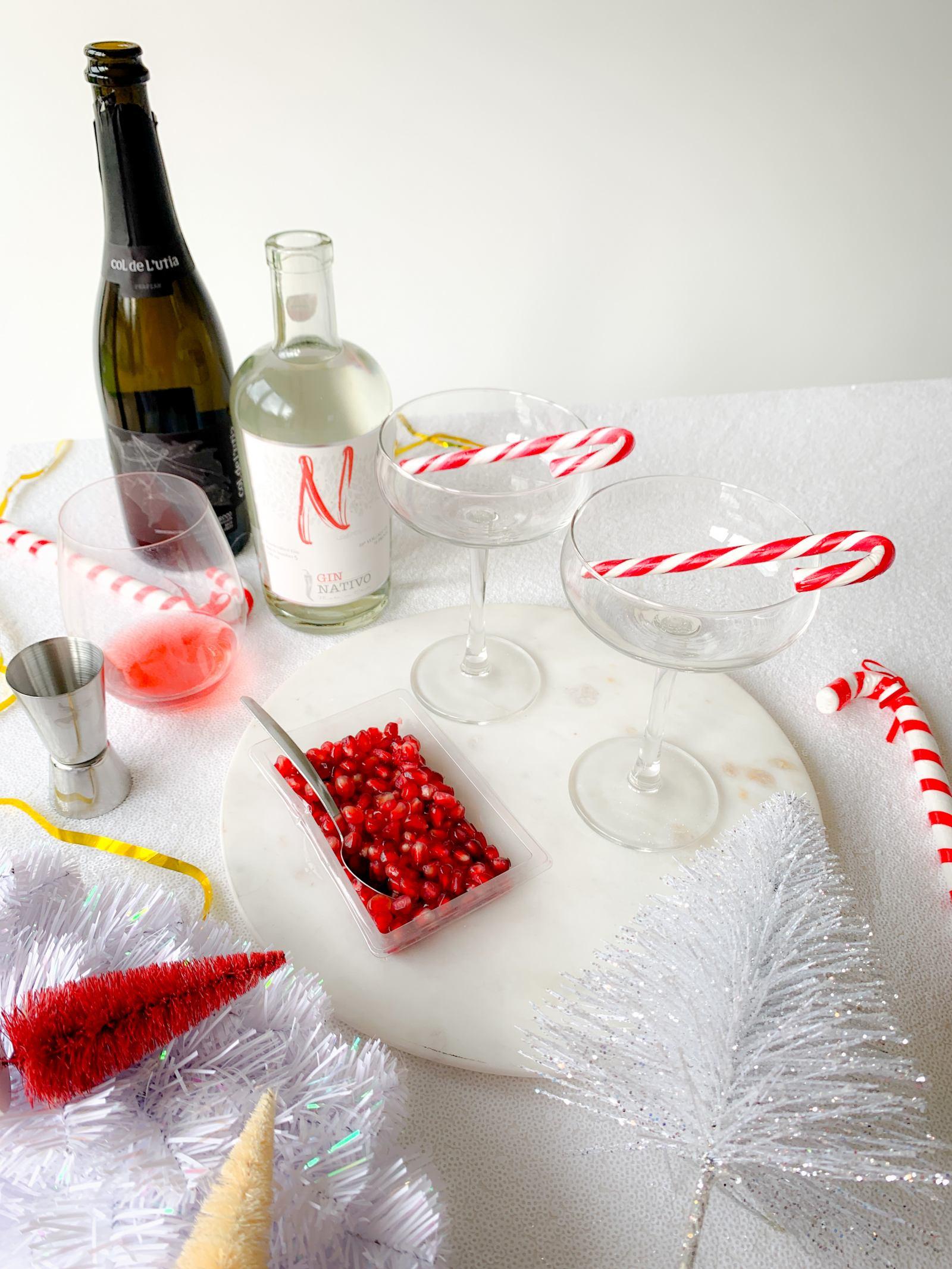 Pomegranate Fizz Christmas Cocktail Recipe