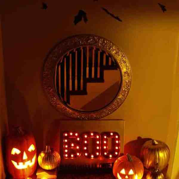 DIY  //  HALLOWEEN MARQUEE LIGHTS