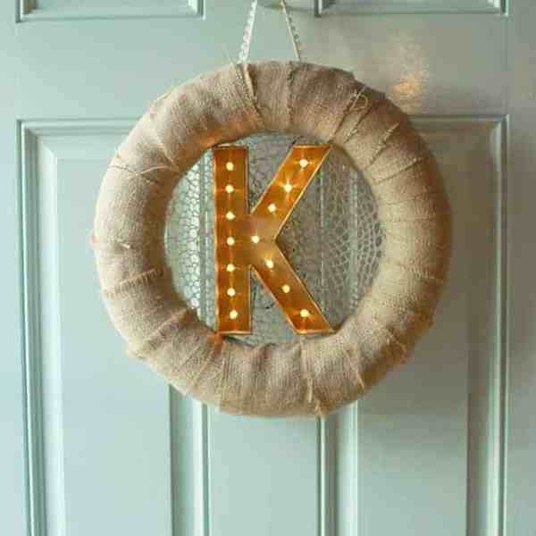 DIY  //  MARQUEE LETTER WREATH
